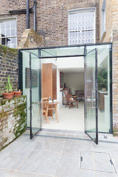 Conservatory box sun room maximises sunlight exposure with this contemporary glass conservatory roof, doors and windows Extension Designs, Glass Extension, Extension Ideas, Extension Google, Side Extension, Glass Cube, Glass Boxes, Architecture Renovation, Architecture Design