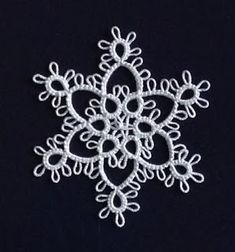 Lace, bees, and me: Myra Piper's snowflake #4