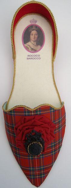 Queen Victoria's gift holder in Stuart Tartan