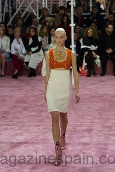 Inspiración de los 60's en las propuestas de #AltaCostura de Dior  #Moda #París