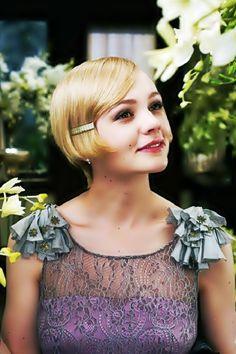 Carey Mulligan plays Daisy Buchanan in 'The Great Gatsby'! Hair n dress Vintage Glam, Vintage Makeup, Mode Vintage, Vintage Short, Dress Vintage, Carey Mulligan, The Great Gatsby, Great Gatsby Fashion, Look Gatsby
