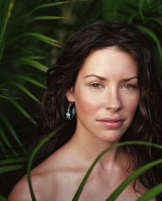 Evangeline Lilly .... so natural!