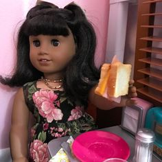 """Melody was first in line to get one of Logan's yummy """"sammiches""""!"""
