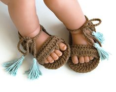 HAZEL Brown boho baby girl sandals with ice blue tassels Made to order in SIZES:. - Life with Alyda HAZEL Brown boho baby girl sandals with ice blue tassels Made to order in SIZES:. Crochet Baby Boots, Crochet Baby Sandals, Crochet Shoes, Crochet Clothes, Crotchet Baby Shoes, Kids Crochet, Crochet Ideas, Baby Girl Sandals, Girls Sandals