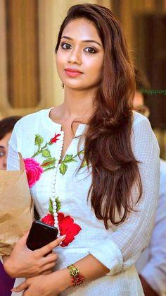Nivetha cute n hot Beautiful Bollywood Actress, Beautiful Indian Actress, Beautiful Asian Women, Beautiful Actresses, Beauty Full Girl, Beauty Girls, Pakistani Girl, Stylish Girl Images, Indian Celebrities