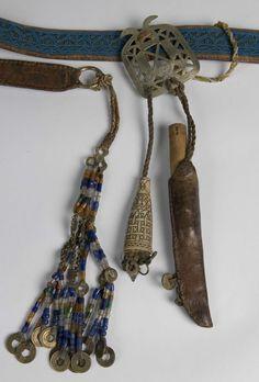 DigitaltMuseum - Belte med systell