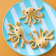 Make waves at the table with these easy-prep dinner rolls, each cleverly snipped and shaped into an octopus. Heat the oven to 350°. Use kitchen shears to cut apart the triangular portions of a package of refrigerated crescent roll dough.