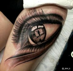 Even the reflection is incredibly detailed, b&w eye sleeve