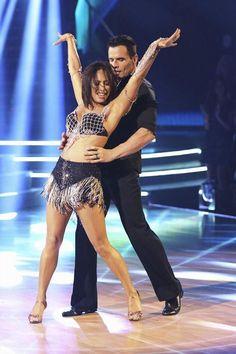 "Wk1 Antonio Sabato Jr. & Cheryl Burke danced Cha-Cha to ""Tonight"" by Enrique Iglesias Scores: 6+6+6+7=25"