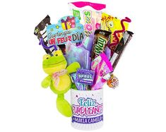 Anchetas de Dulces de Amor y Amistad 1 Birthday Candy, Unicorn Birthday Parties, Birthday Gifts, Cool Gifts, Diy Gifts, Candy Arrangements, Chocolate Bouquet, Craft Show Ideas, Candy Bouquet