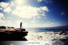 Welcome to Lin and Jirsa Photography.     Posing standing couples.    http://www.linandjirsa.com/