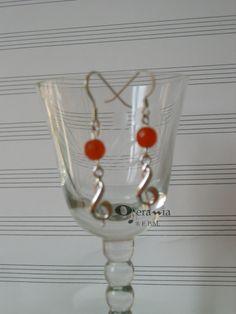 Orecchini AG925 - chiave di violino piccola e agata arancio 15.00EUR Chiave di violino in argento 925 (mm 12);  ganci in argento 925;  agata arancio