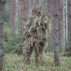 Why is that tree walking? Sniper Gear, Airsoft Sniper, Hunting Suit, Bow Hunting, Tactical Clothing, Tactical Gear, Ghillie Suit, Army Gears, Tac Gear
