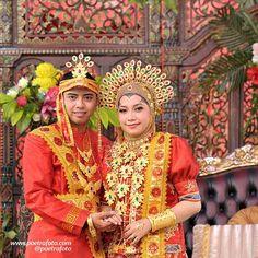 Foto Wedding, Wedding Photos, Traditional Wedding, Traditional Dresses, Yogyakarta, Folk Costume, Wedding Makeup, Harajuku