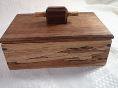 Ajuny Joyero de madera hecho a mano con incrustaciones de lat/ón ideal para guardar recuerdos