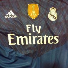 ¡DE ESTRENO! Iker Casillas presume de GALONES en la camiseta del Madrid. #ElChiringuitoDeNeox