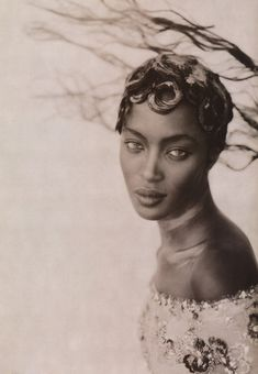 Naomi Campbell photographed by Paolo Roversi - Vogue Italia: September 1996 - Royale High Fashion Photography, Glamour Photography, Editorial Photography, Portrait Photography, Lifestyle Photography, White Photography, Nature Photography, Paolo Roversi, Jean Paul Goude