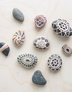 In a step-by-step video, Anne Weil of Flax & Twine shows you exactly how to make crochet stones. A beautiful way to make collected keepsakes treasures.