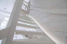 Modern stairs with Winled LED-strips. Modernit portaat Winledin LED-nauhalla.