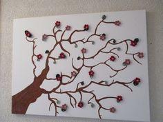 Dieses Bild habe ich selbst gemalt und die Blüten und Blätter gehäkelt!