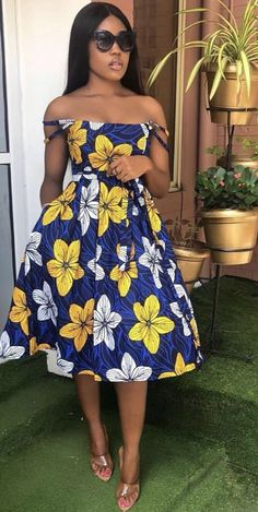 Contemporary Ankara Styles For African Ladies. Hello Ladies Is an Amazing month and we bring you some beautiful designs to start your month,Ladies here are 2020 Contemporary Ankara Styles For African Ladies To Rock. Short African Dresses, Short Gowns, Latest African Fashion Dresses, African Print Fashion, African Dress Styles, African Clothes, African Hair, Ropa Interior Calvin, Ankara Stil