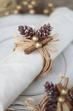 Christmas Table Decorations Christmas Napkin Rings # DIY Decorating table 32 Festive Christmas Table Decorations To Brighten Up Your Feast Christmas Table Settings, Christmas Tablescapes, Holiday Tables, Christmas Decorations, Holiday Decor, Elegant Christmas, Rustic Christmas, Christmas Crafts, Christmas Time