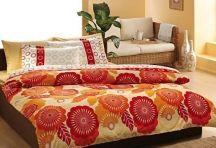 Noua, celor de la Home Exclusive ne place culoarea si suntem deschisi sa ne traim viata in felul colorat al lenjeriei de pat Joy orange. Modelele florale in nuante superbe de la caramiziu, orange, si crem de pe asternutul de pat adauga culoare spatiului. Cand incepi sa decorezi, provocarea este sa aduci atractii printr-un singur element, iar lenjeria de pat din bumbac satinat de lux Joy este o achizitie ce iti schimba parerea despre cum ar trebui sa decurga o noapte perfecta...