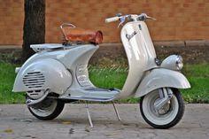 Vespa Faro Basso 1956 vn2t TOP Restauriert als Roller/Scooter in Bautzen