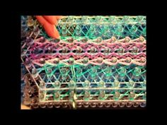 This design uses a nine bar loom with adjustable peg positions.  *Zuzu* Syrian Hopes tutorial by UKManicLoomers
