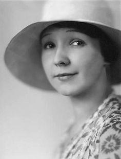 Dina Gralla, 1929 (Lotti Jacobi)