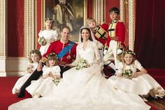 Kate and William's wedding | William and Kate's official photos | Herald Sun
