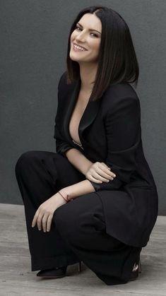 Laura Paussini, Singing Contest, Classy Lingerie, Laetitia Casta, Celine Dion, Pop Singers, Spanish Style, Record Producer, Suits For Women