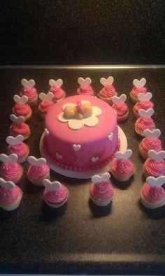 Babytaart+ cupcakes