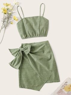 To find out about the Striped Crop Cami Top & Wrap Knotted Skirt Set at SHEIN, part of our latest Two-piece Outfits ready to shop online today! Girls Fashion Clothes, Teen Fashion Outfits, Girly Outfits, Girl Fashion, Fashion Goth, Fashion Black, Skirt Outfits, Cropped Cami, Cami Crop Top