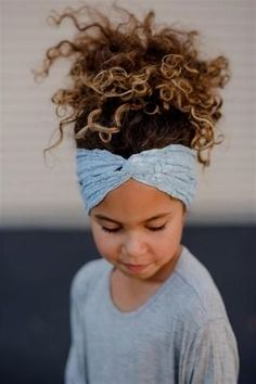 Ideas for cute curly hairstyles - Yasmin Fashions