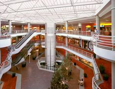 .The Sherman Oaks Galleria.worked here in the 80s. Fast times at Ridgemont high was filmed here.