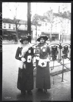 Enfermeras de la Cruz Roja francesa (París, 1915)
