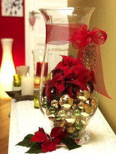 Deko ideen mit goldenen Weihnachtskugeln weihnachtsstern