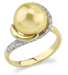 Golden Pearl & Diamond Circle Ring