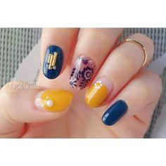 ネイルマステを使ったネイルは、黄色と青と合わせてメリハリを効かせて。普通のマステをネイルに使うと剥がれやすいのが欠点。でも、ネイルマステは粘着力が少し強くなっているので、爪に密着してくれますよ。 Nail Ring, Ring Watch, Nail Stamping, How To Make Hair, Nail Inspo, Flower Patterns, My Nails, Nail Designs, Nail Polish