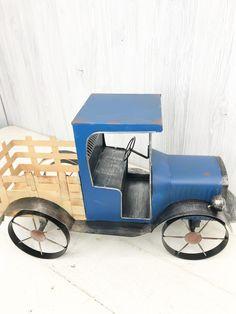 Blue Metal Antique Truck - Kelea's Florals Antique Trucks, Spring Decorations, Home Decor Inspiration, Farmhouse Decor, Florals, Craft Supplies, Diy Home Decor, Centerpieces, Projects To Try