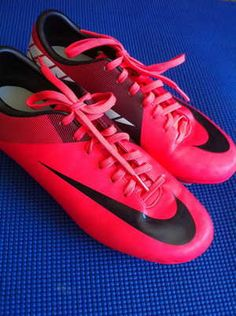 love hot pink nike soccer cleats!