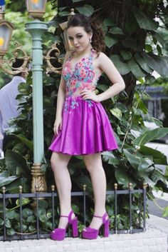 Party collection by Larissa Manoela |                                                                                                                                                     Mais