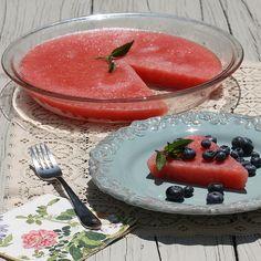 Watermelon Sorbet Pie via MealMakeoverMoms.com/Kitchen #dessert #watermelon