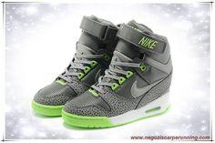 new concept 113bc faa6c Carbon Grigio   Fluorescent Verde Nike Air Revolution Sky Hi 599410-002  Donna scarpe da