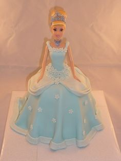 Cinderella flower fondant cake