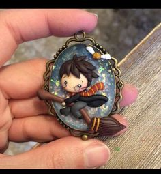 Harry potter pendant harry potter is my life biżuteria, glina. Cute Polymer Clay, Cute Clay, Polymer Clay Dolls, Polymer Clay Projects, Polymer Clay Charms, Polymer Clay Creations, Clay Crafts, Harry Potter Charms, Harry Potter Merchandise