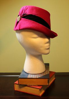 """This handmade fedora totally channels that '50s-style wedding """"going-away"""" outfit."""