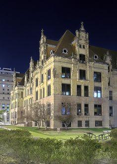 City Hall at night, in Saint Louis, Missouri