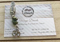 Handgemachte Dreadspirale mit Edelsteinen 🤭🌿 Dreads, Shops, Etsy Shop, Personalized Items, Rhinestones, Craft Gifts, Schmuck, Dreadlocks, Tents